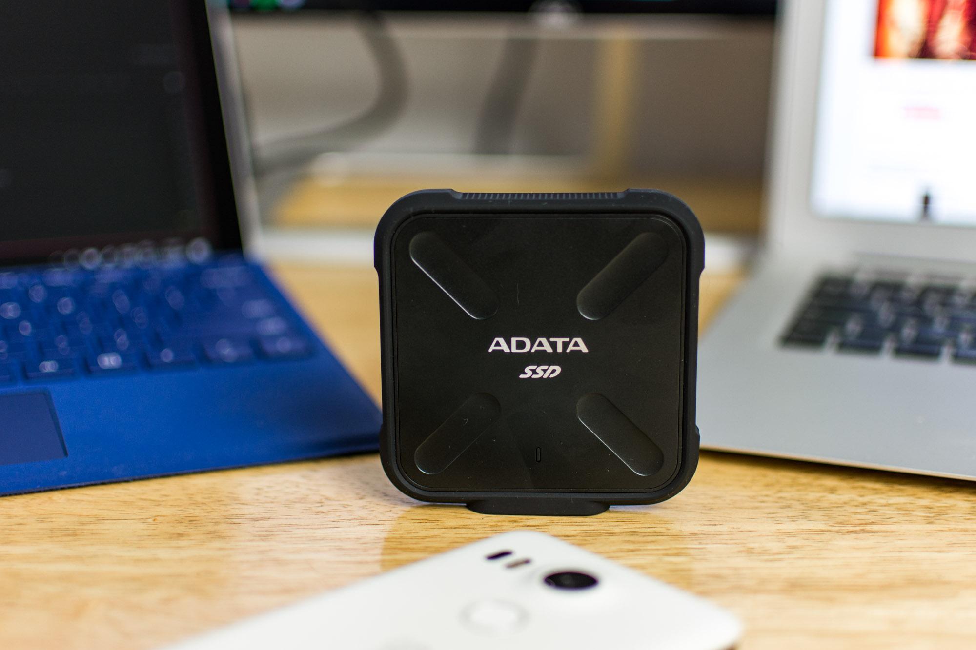 ADATA-SD700-1