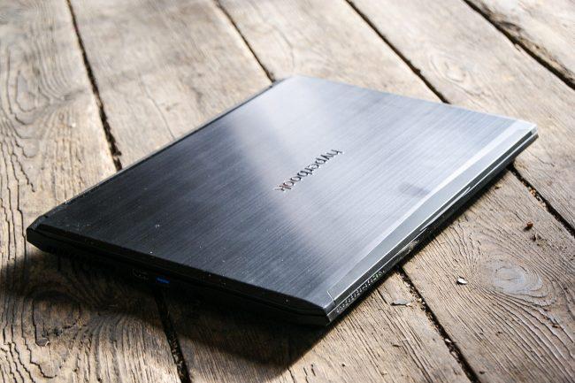 Hyperbook SL503 VR IEM 2017-18