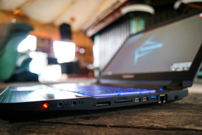 Hyperbook SL503 VR IEM 2017-31