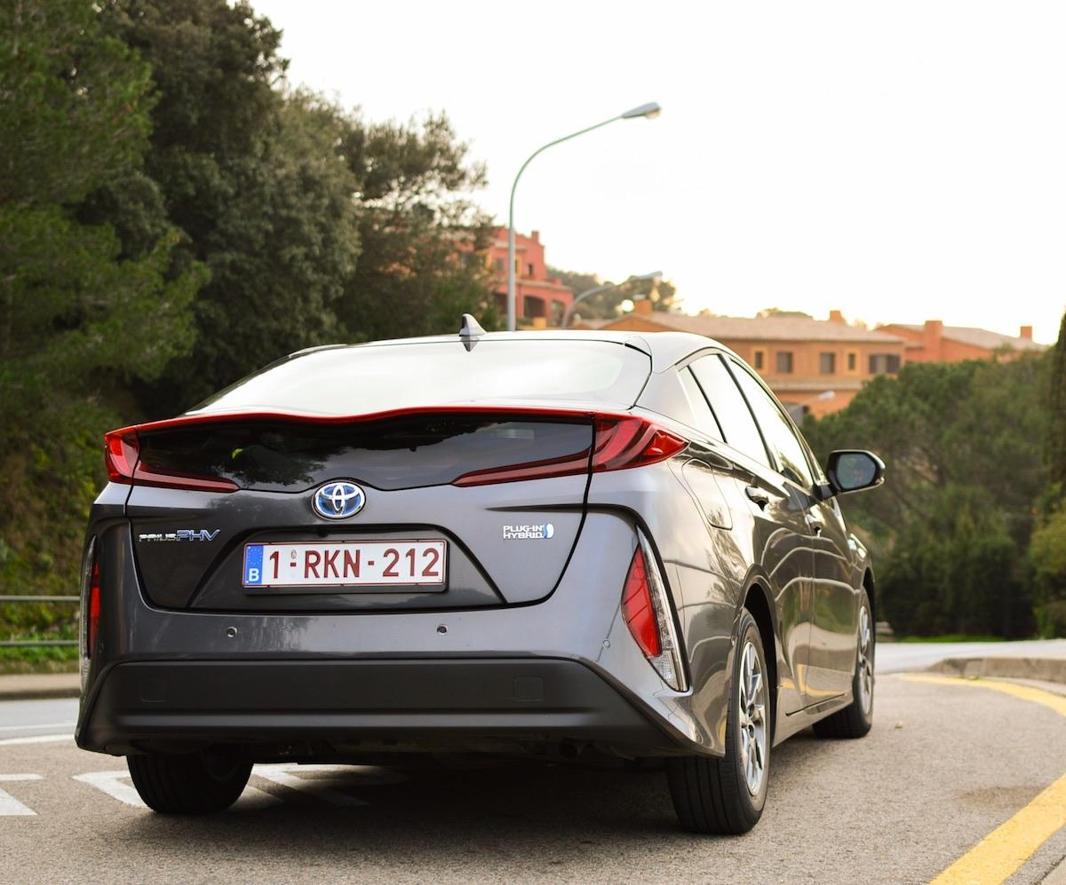 Toyota-prius-plug-in-hybrid-16