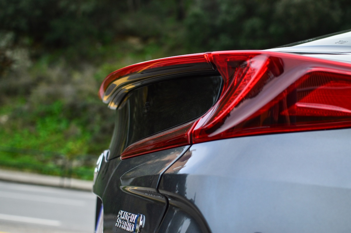 Toyota-prius-plug-in-hybrid-24