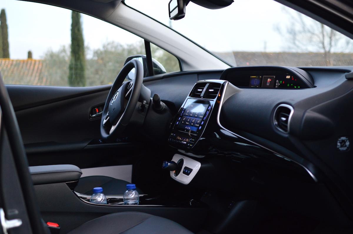Toyota-prius-plug-in-hybrid-29