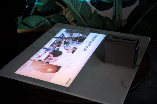 Sony Xperia Touch to świetny projektor z Androidem.