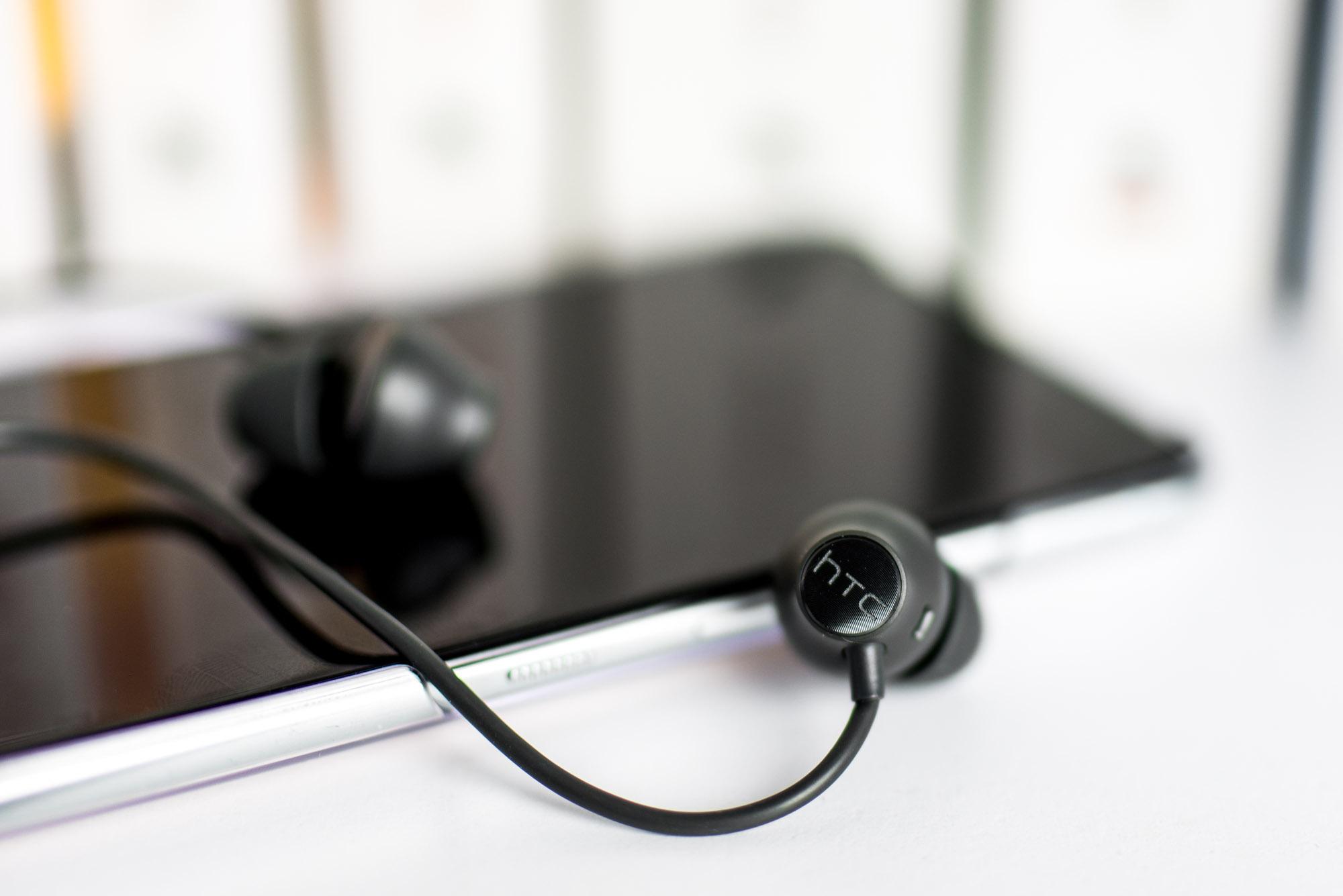 HTC-U-Ultra-D1-16