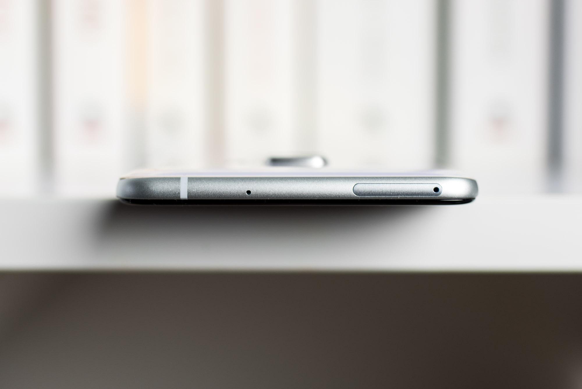 HTC-U-Ultra-D1-5