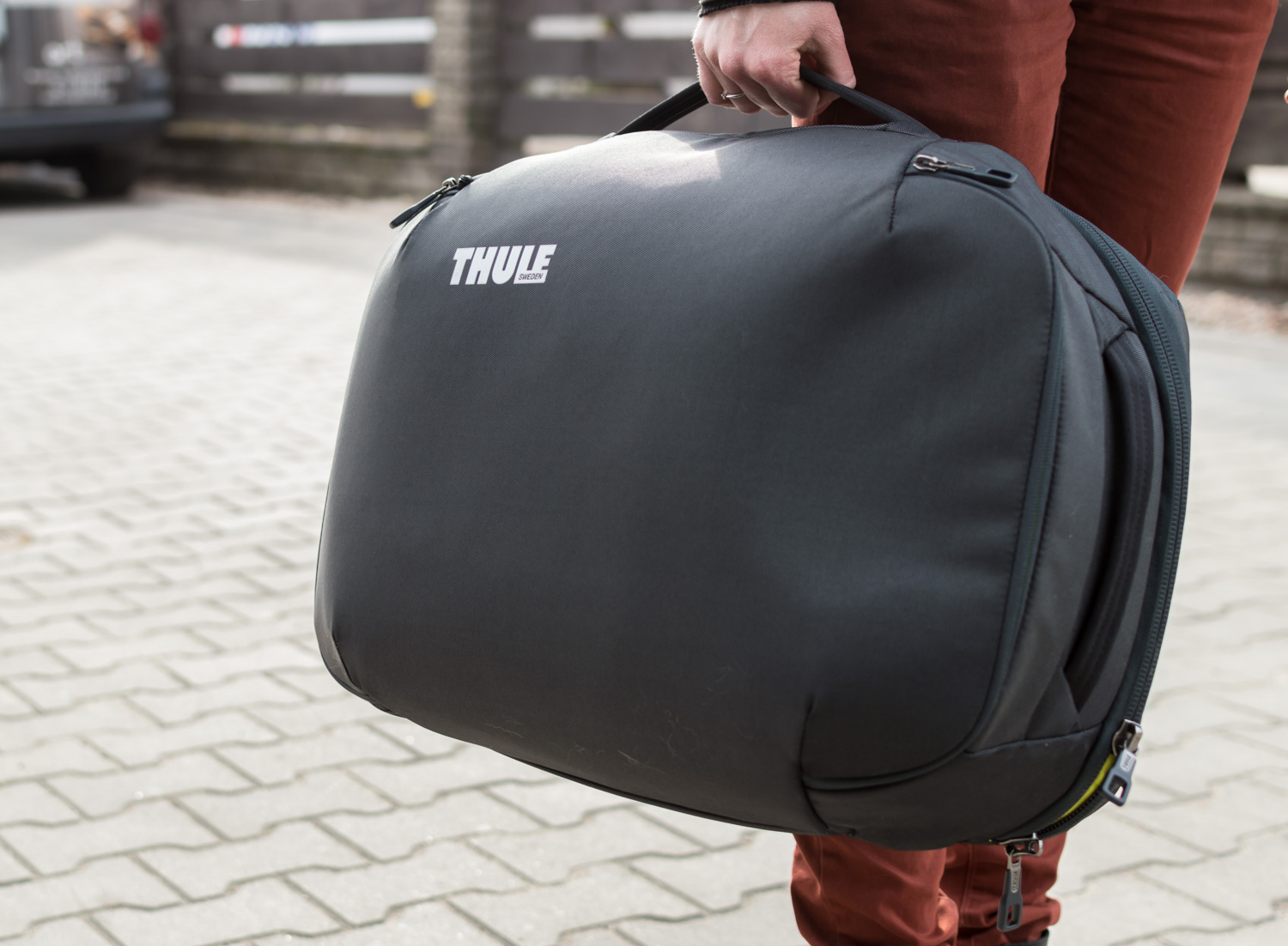 Thule-Subterra-Carry-On-40L-1
