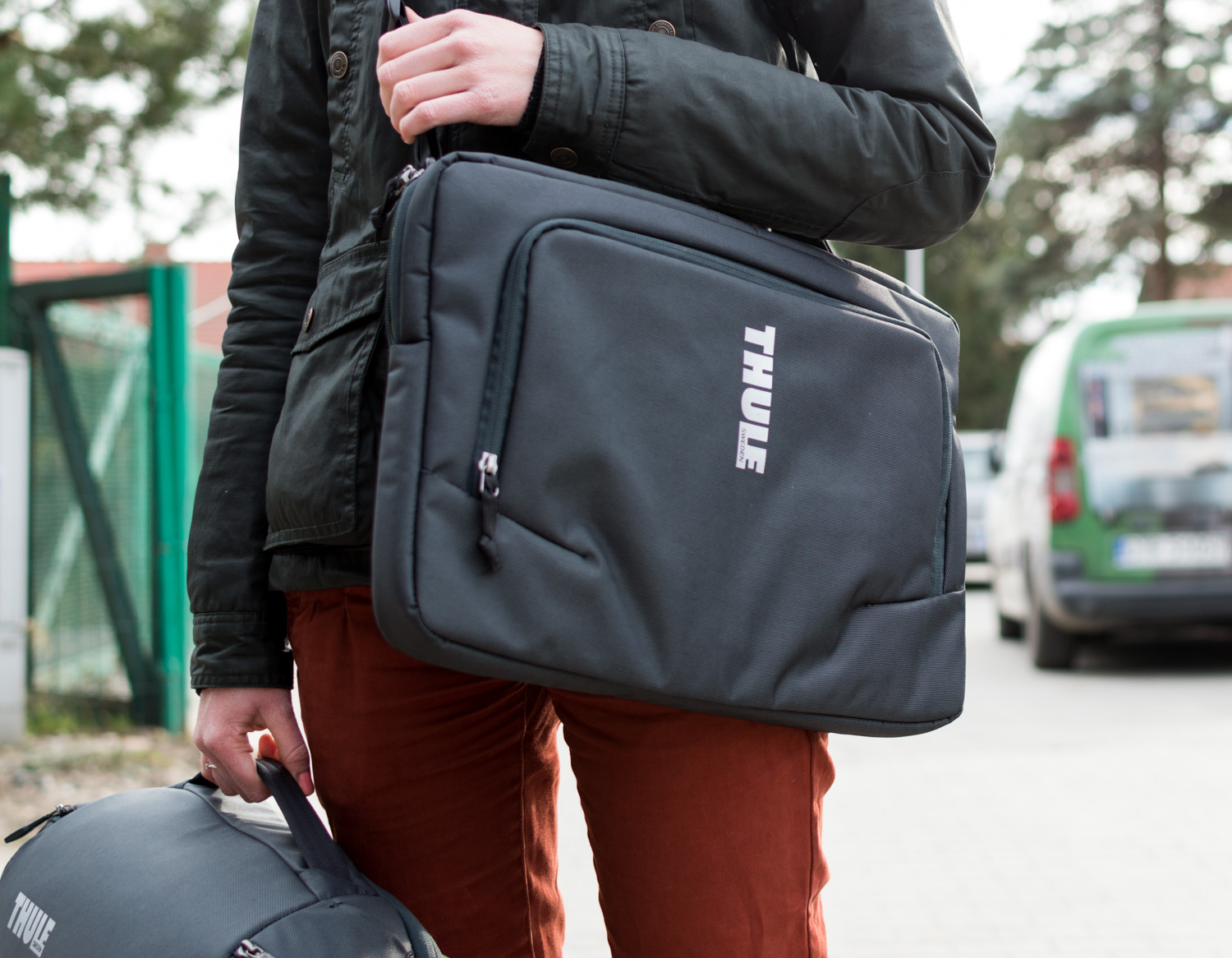 Thule-Subterra-Carry-On-40L-10