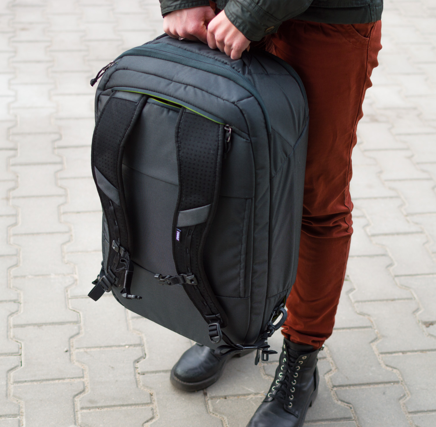 Thule-Subterra-Carry-On-40L-13