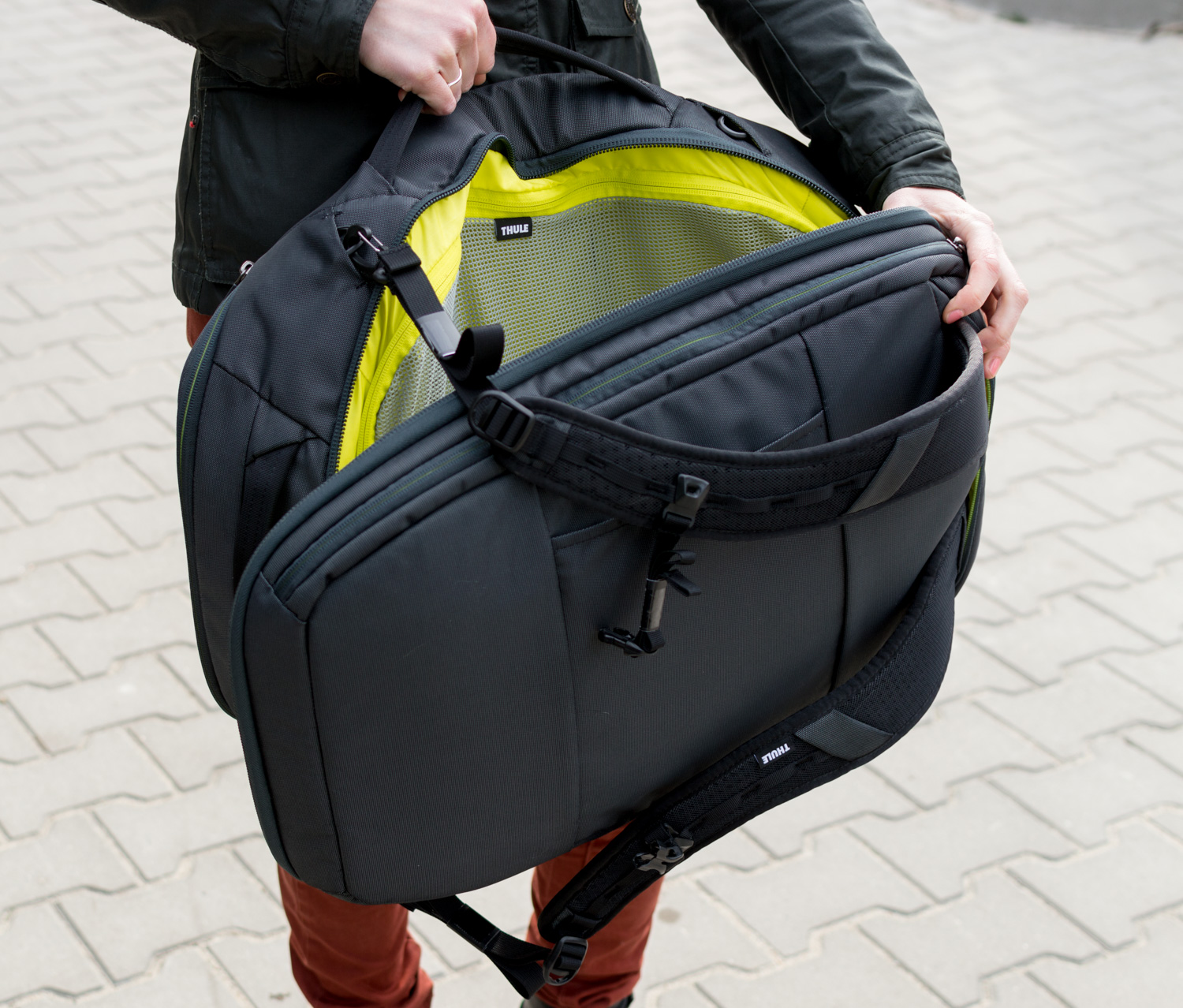 Thule-Subterra-Carry-On-40L-23
