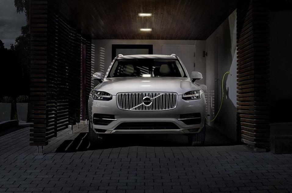 Wszystkie auta od Volvo na prąd? Sprawdzamy, kiedy taki scenariusz może się spełnić