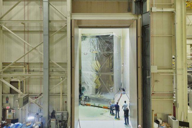 Teleskop Jamesa Webba w komorze akustycznej