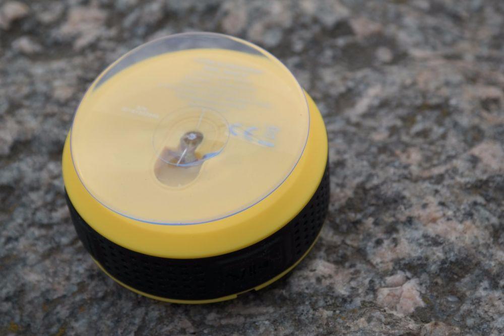 Hykker Splash BT to bezprzewodowy głośnik z Biedronki kosztujący mniej niż 50 zł.