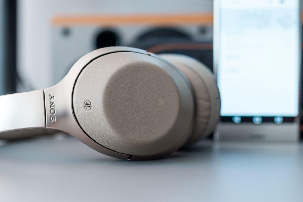 W tych słuchawkach świat przestaje istnieć. Sony MDR-1000X – recenzja Spider's Web