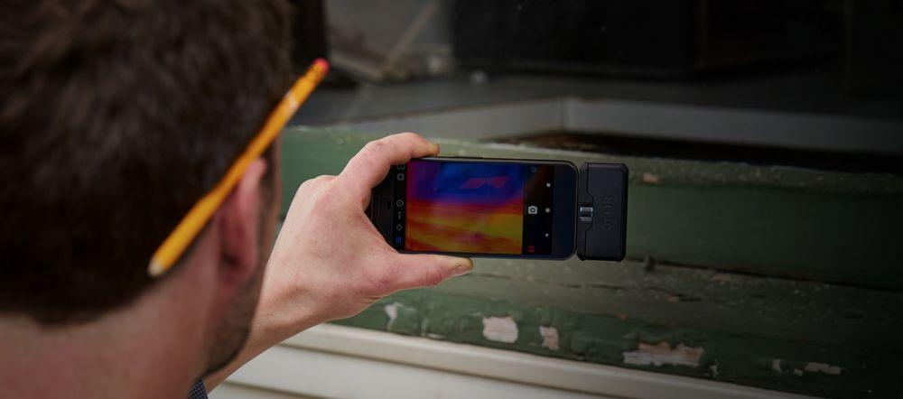 flir one kamera termowizyjna do smartfona