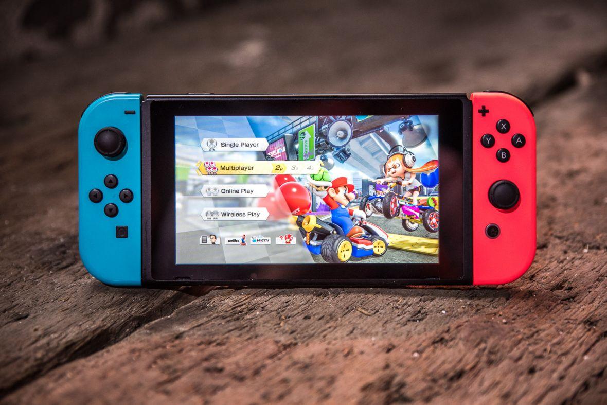 """Nintendo Switch to """"konsola dla dzieci"""". Pewnie dlatego wychodzi na niąDoom, Wolfenstein II i Resident Evil"""