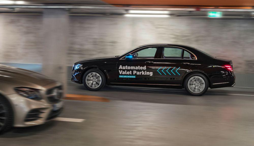 Autonomiczny parking Mercedesa