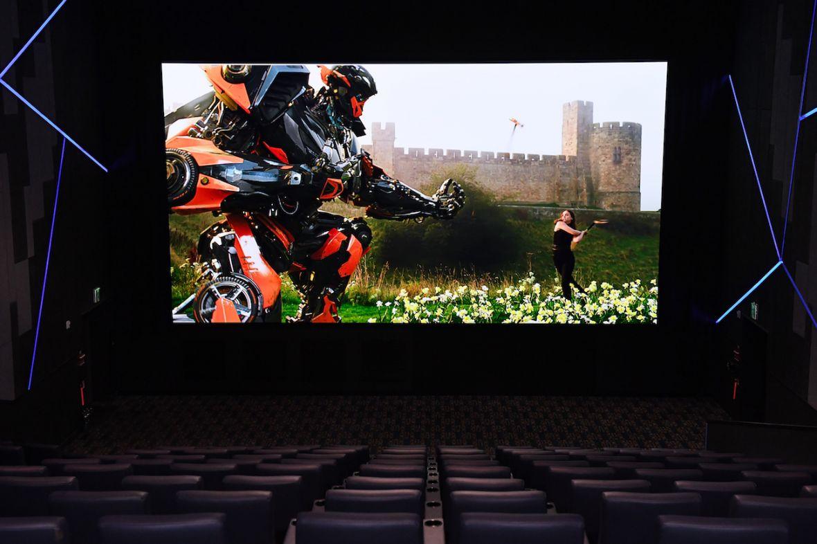 Tak wygląda przyszłość kin. Filmy będą wyświetlane na wielkich telewizorach Samsunga
