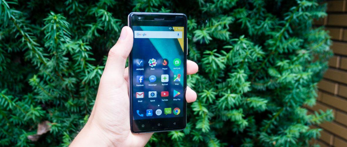 Kruger&Matz Flow 5 to jeden z najlepszych telefonów do 500 zł