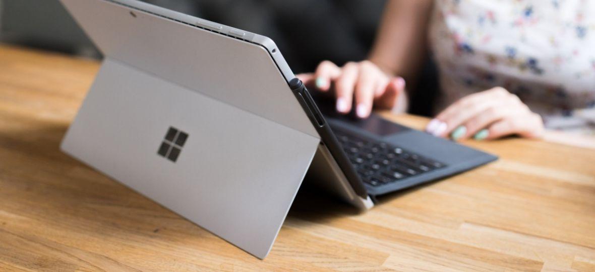 Potwór w przebraniu tabletu. Surface Pro 2017 – pierwsze wrażenia