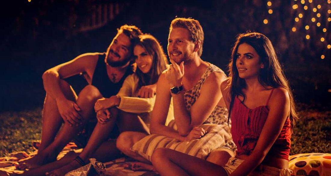 Jak obejrzeć dobre kino? Na wielkim ekranie w plenerze, na kanapie w domu albo gdziekolwiek na smartfonie