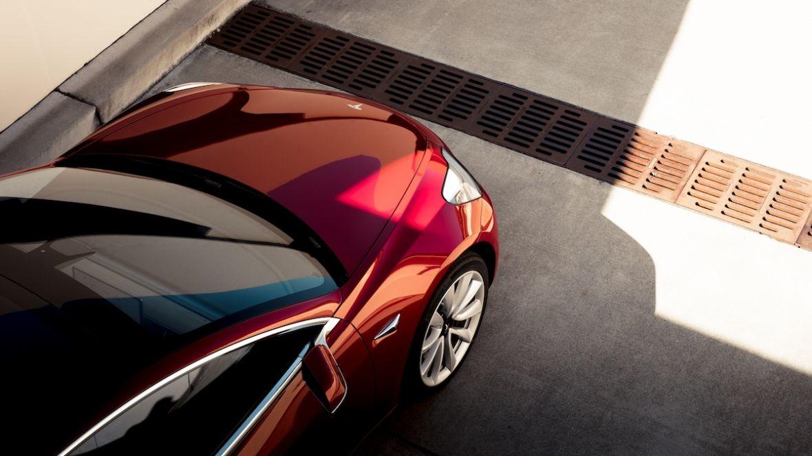Czy aby właśnie Elon Musk nie rozkminił tego, jak ma wyglądać interfejs auta przyszłości?