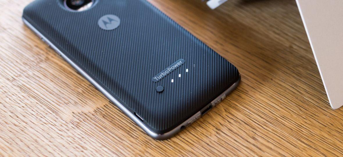 Sprawdziłem akumulator w Moto Z2 Play z nowym modułem TurboPower. Rezultaty są powalające