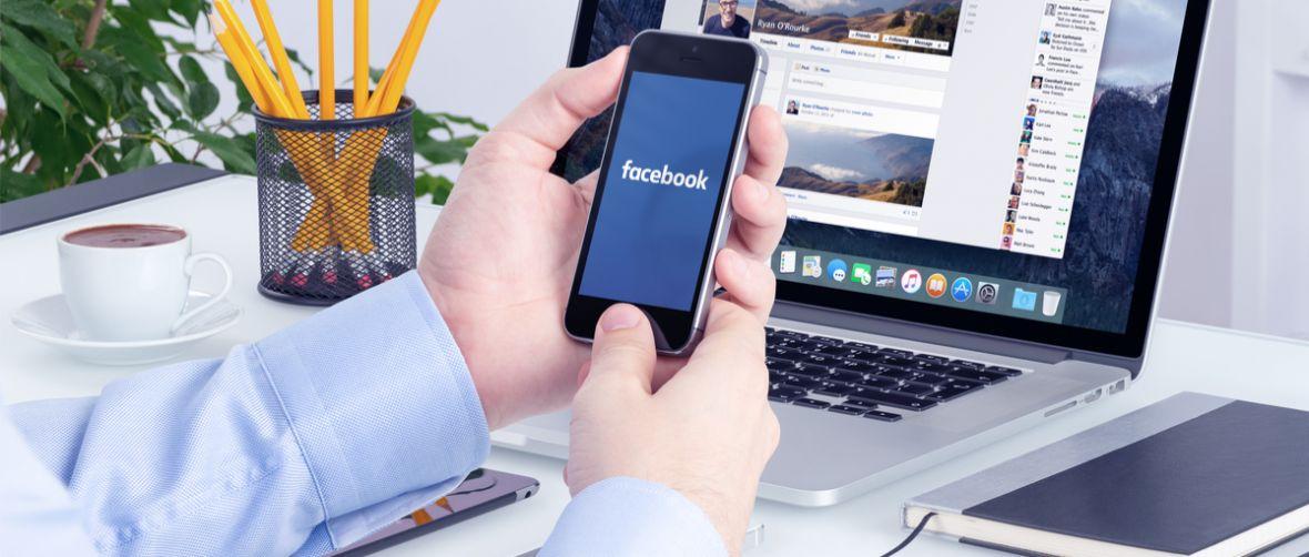 """""""Czytałem o tym na Facebooku"""", czyli rzecz o tym, jak Facebook i Google pożerają media"""