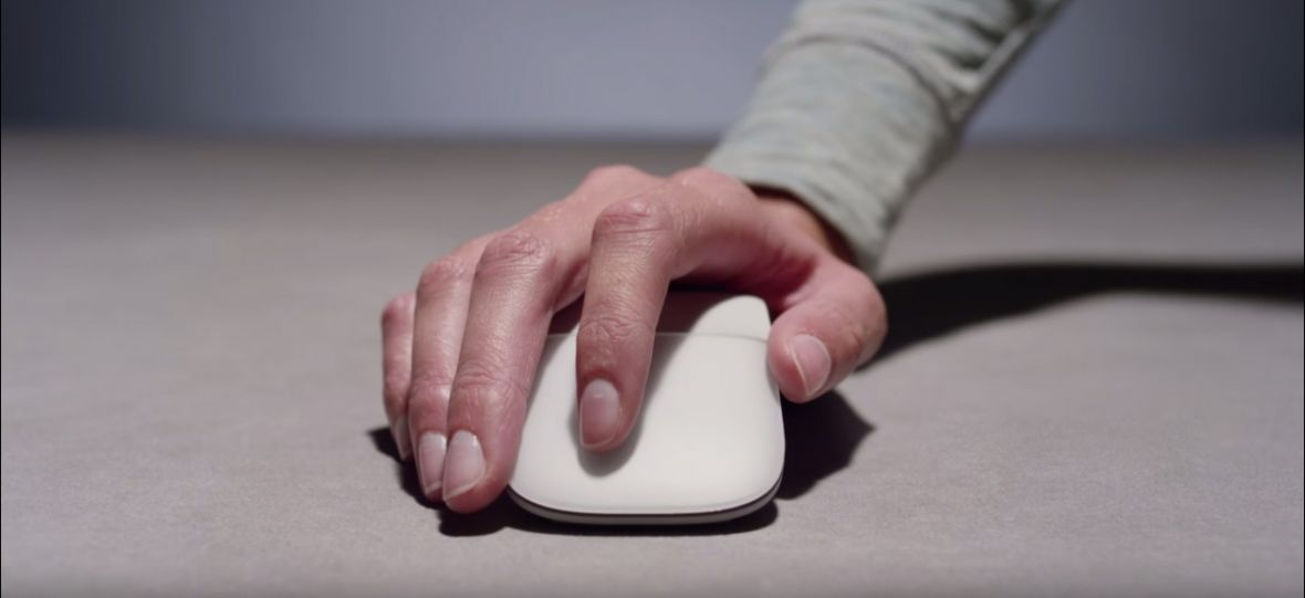 Surface Arc Mouse debiutuje w Polsce. Przy wtórze głosu… Krystyny Czubówny
