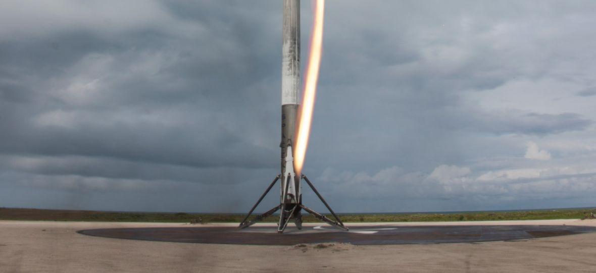Wszystkie nieudane lądowania rakiet Falcon 9 na jednym klipie. I jak tu nie kochać Elona Muska?