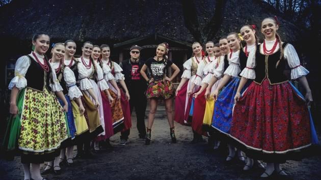 """Donatan feat. Cleo """"Slavic Girls"""" – """"My Słowianie"""" po angielsku!"""