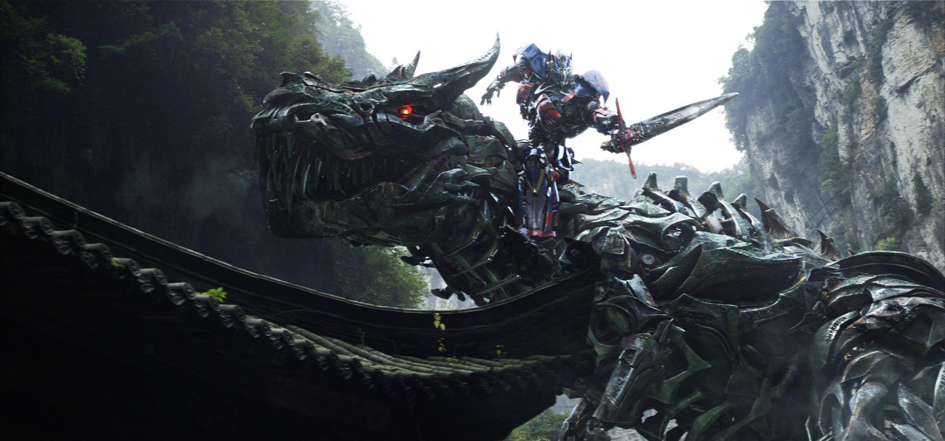 """Robert Kirkman będzie jednym ze scenarzystów nowych """"Transformersów"""""""
