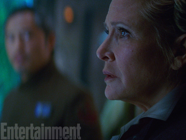 17-new-photos-show-off-more-star-wars-the-force-awakens-awesomeness2 (1)