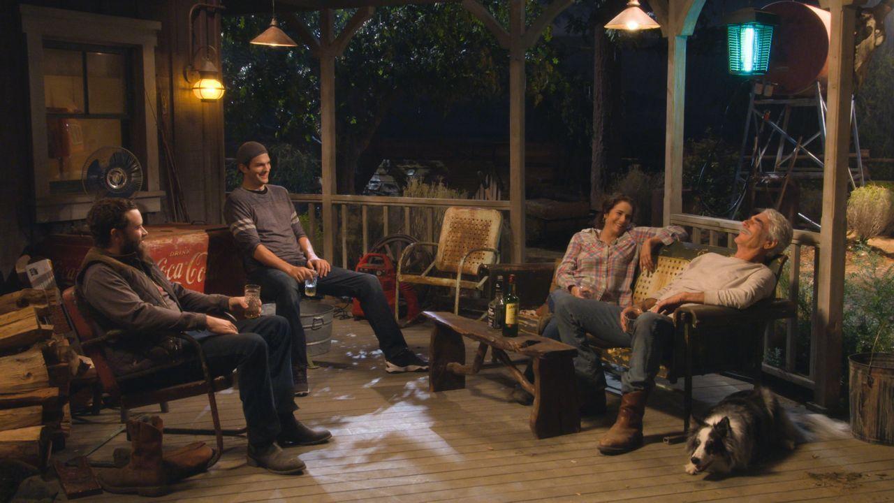 """""""The Ranch"""" – słodko-gorzki sitcom, który naprawdę bawi"""
