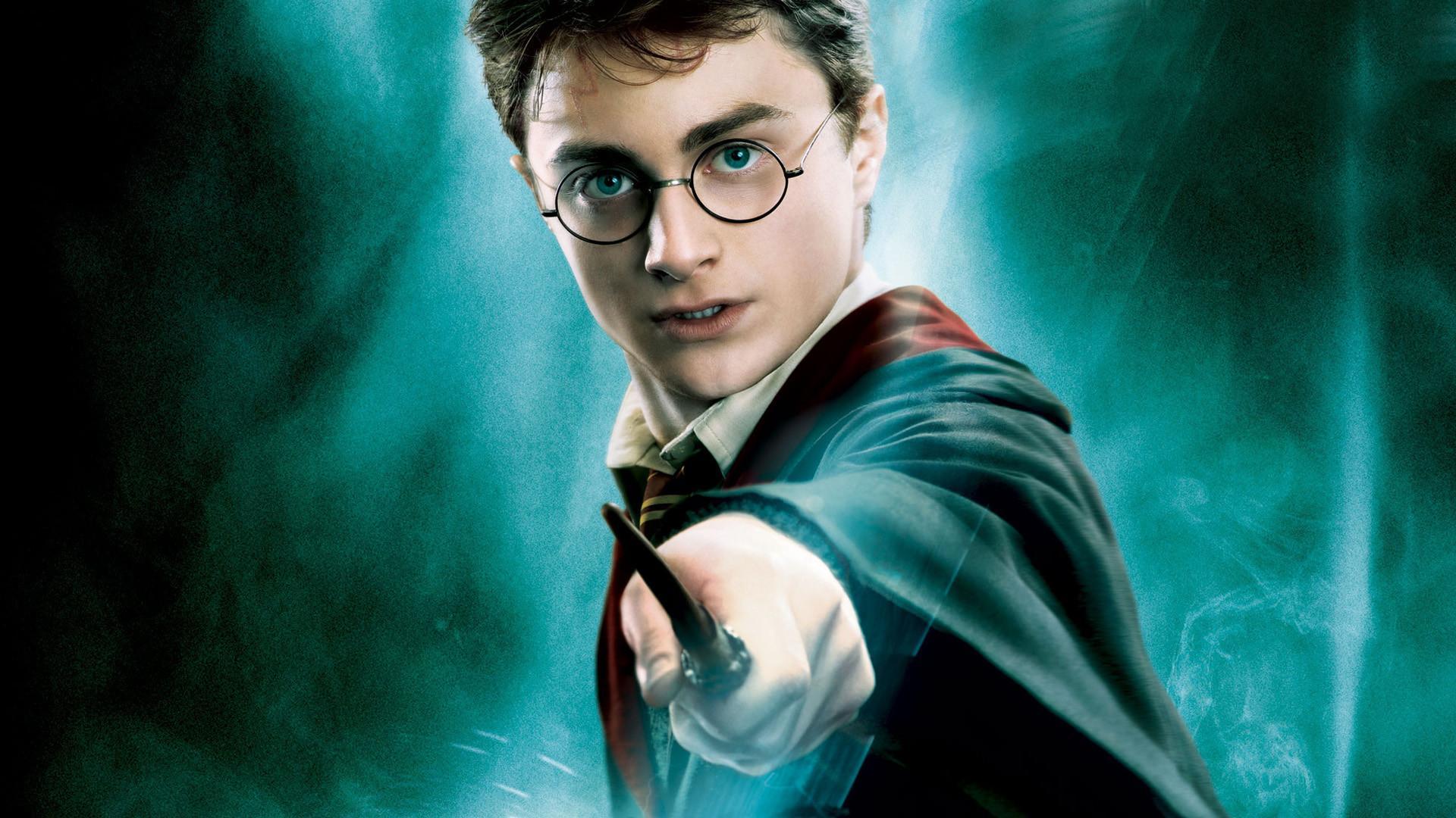 Potteromaniacy, już w październiku dostaniecie nowe książki ze świata Harry'ego Pottera