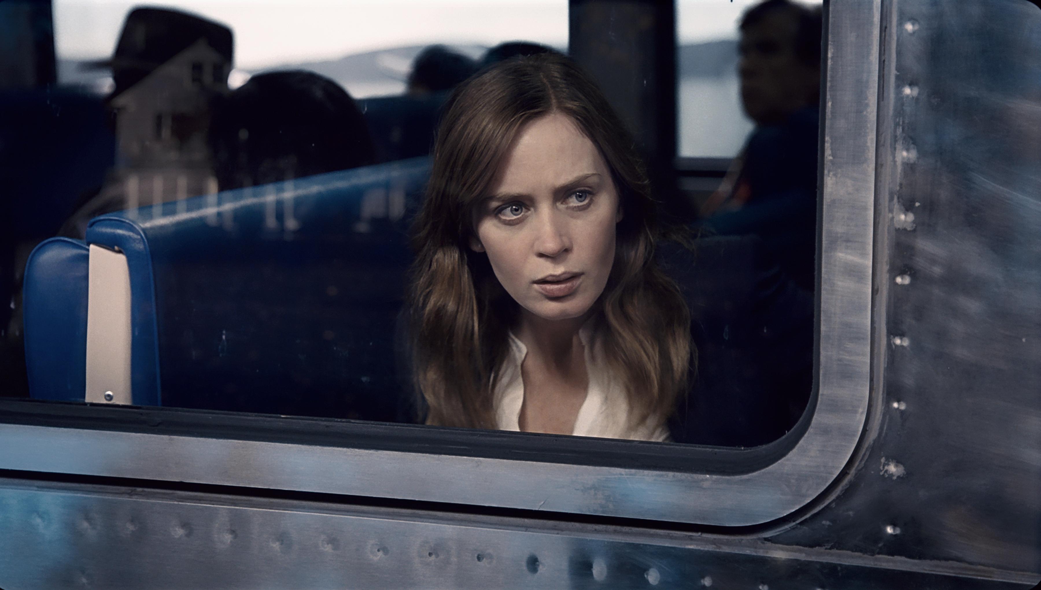 """Filmowa """"Dziewczyna z pociągu"""" to – tylko lub aż – przyzwoity thriller. Recenzja sPlay"""
