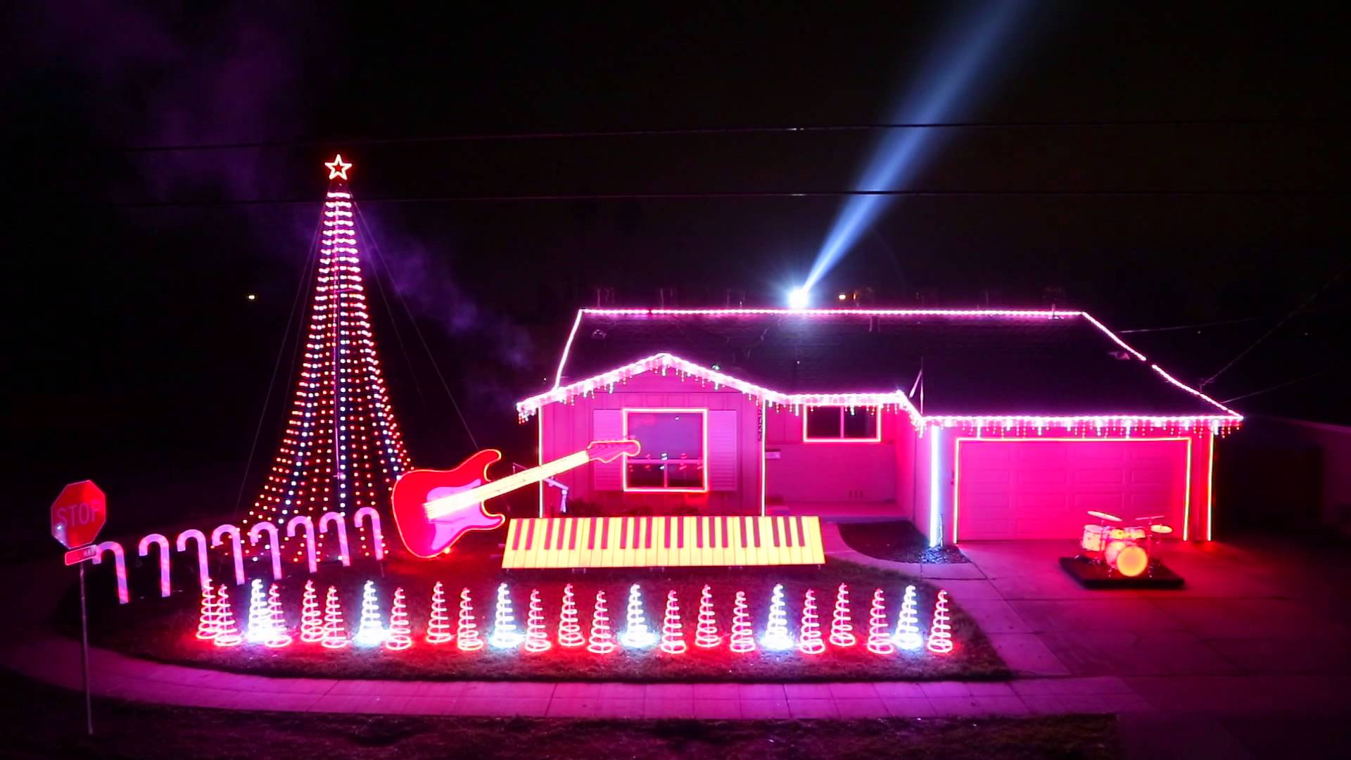 Święta na rockowo (i nie tylko) – najciekawsze muzyczne iluminacje świąteczne