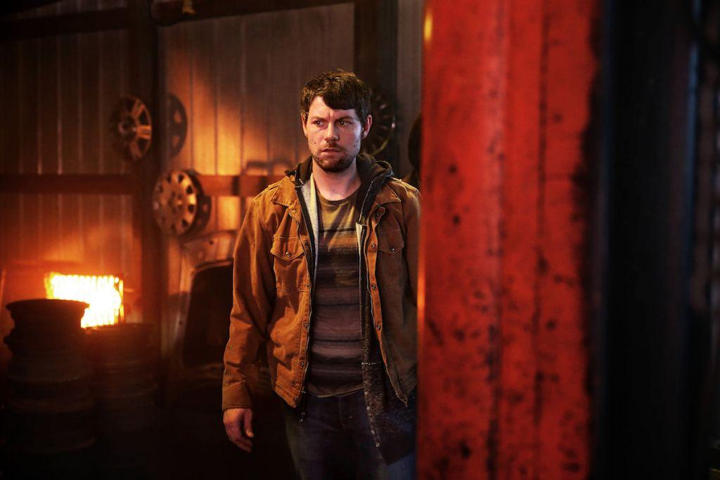 Kyle Barnes (Patrick Fugit) w 2 sezonie Outcast