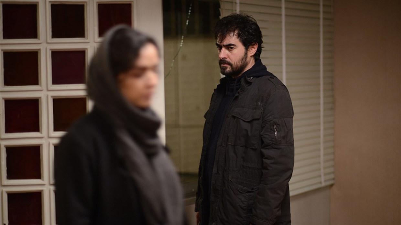 Taraneh Alidoosti i Shahab Hosseini jako Rana i Emad tuż po tajemniczym ataku