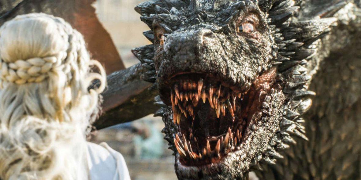 Tak wygląda w pełni dorosły smok z serialu Gra o tron. Bestie robiąwrażenie