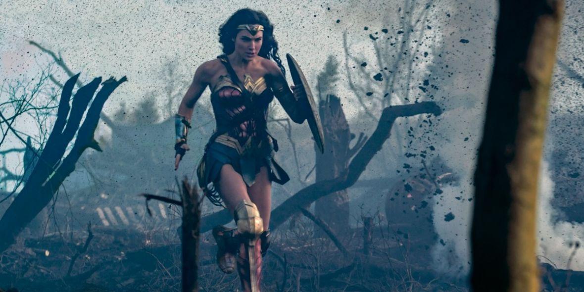 Gal Gadot wmontowana w intro serialu Wonder Woman z lat 70. przypomniała mi, ile radochy dają przeróbki
