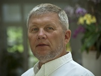 lek. dent. Tomasz Falkowski
