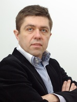 lek. med. Andrzej Wakarow