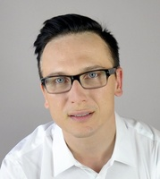 dr Daniel Melerowicz