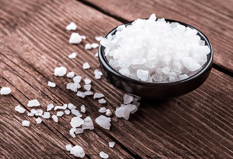 Skuteczne sposoby na organiczenie soli
