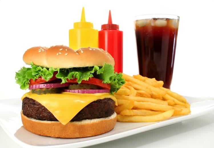 Jak sprawić, żeby dzieci  nie podjadały niezdrowego jedzenia?