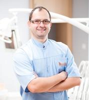 lek. dent. Tomasz Niżański