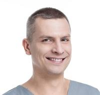 lek. stom. Przemysław Lutostański