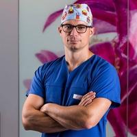 dr n. med. Szymon Kujawiak