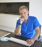 dr n. med. Bartłomiej Galarowicz