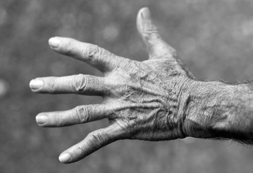 Przyczyny drętwienia palców